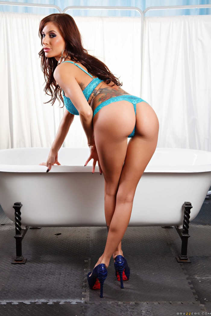 Gia Dimarco Ass Cheeks